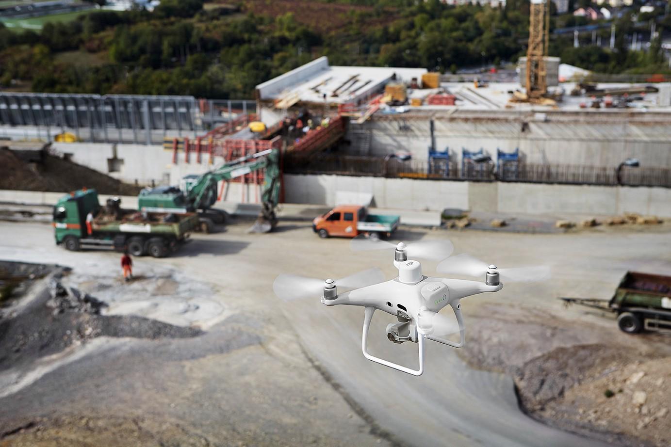DJI Phantom 4 RTK, hava haritalamanın geleceğine DJI tarafından yapılan önemli bir yatırıma işaret ediyor